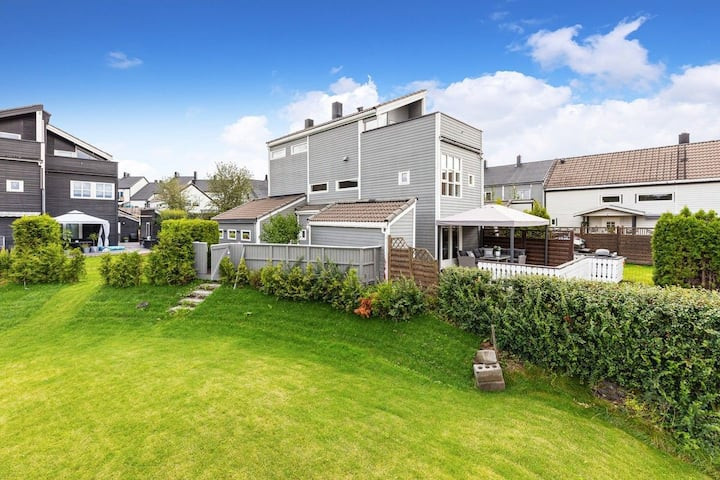 Beautiful house, suburbs of Oslo, close to airport