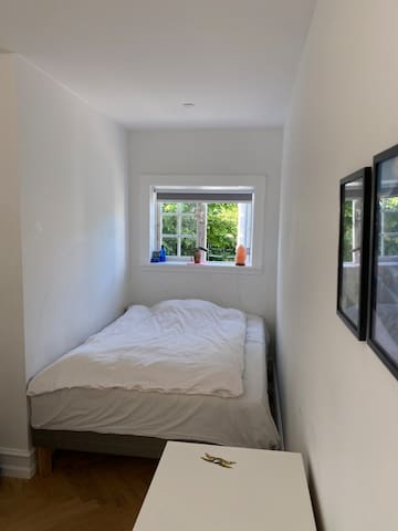 Soveværelse i stueplan