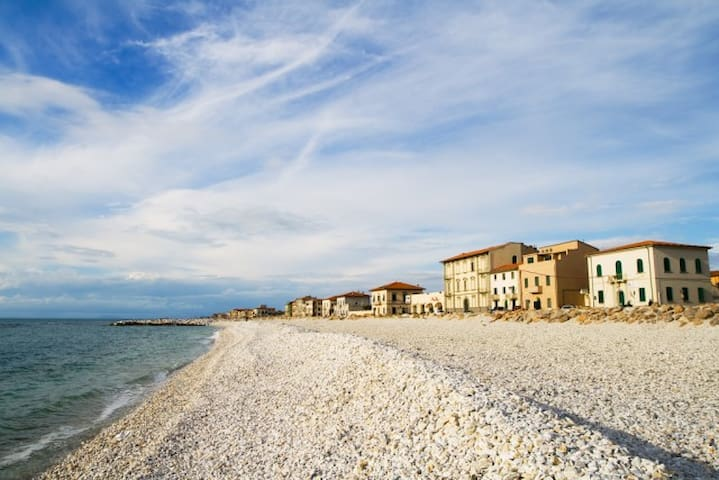 tuscan by the sea, one of the best - Marina di Pisa-tirrenia-calambr - Apartment