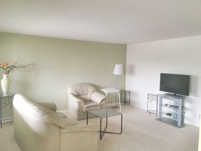 Remodeled 2 bdr in Bryant 5 min to UW/Green Lake12