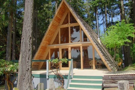 Charming A-frame with a view - Port Townsend - Cabaña