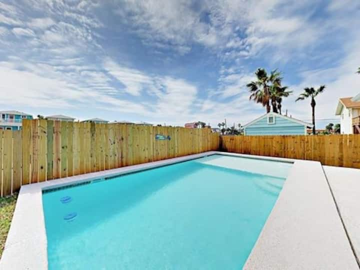 HEATED PRIVATE POOL!! 3/3 blocks from beach!!!