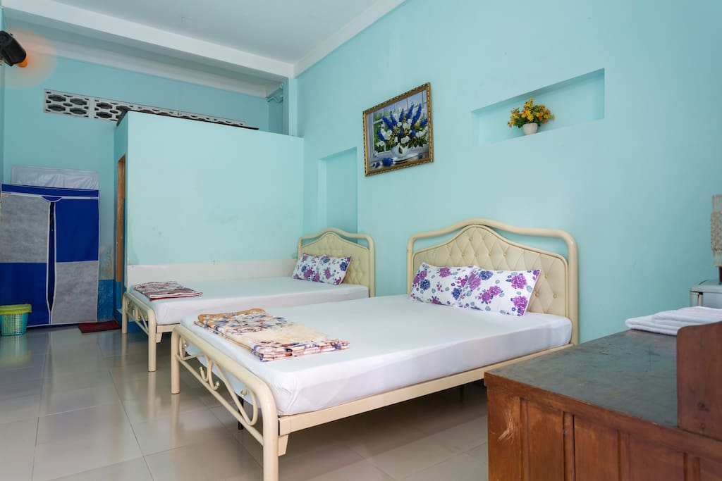 with two double beds (1)