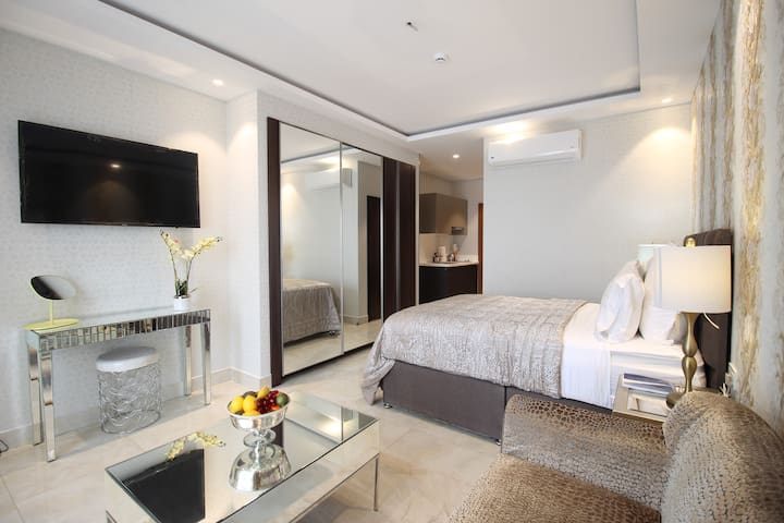Mirage Residence APT, Fully Furnished+near Airport