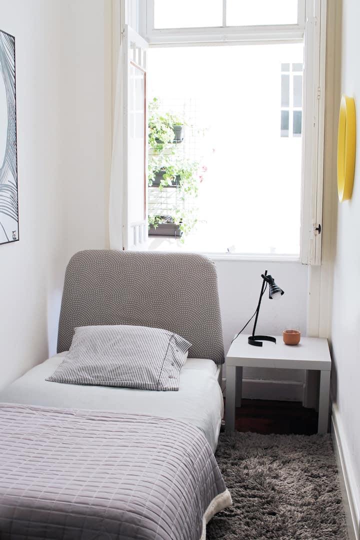Baixa24 - City Center Private Sun Deck Apt Room 4