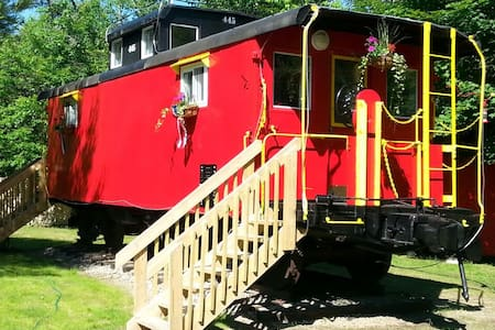The Lil' Red Caboose :) - Lincoln