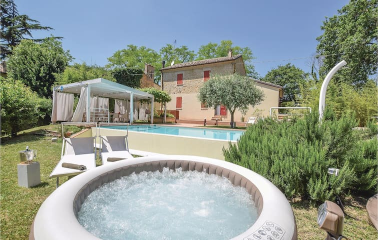 Holiday cottage with 2 bedrooms on 220m² in Pesaro -PU-