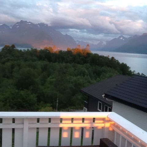 Fantastisk utsikt, beliggenhet 20 km fra Ålesund