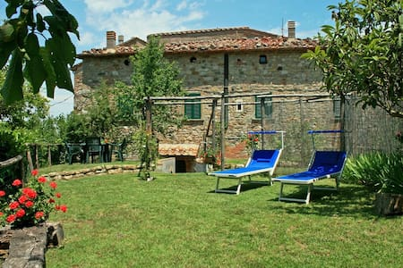 Fabulous house with indoor heated swimming pool. - Montecastelli Pisano