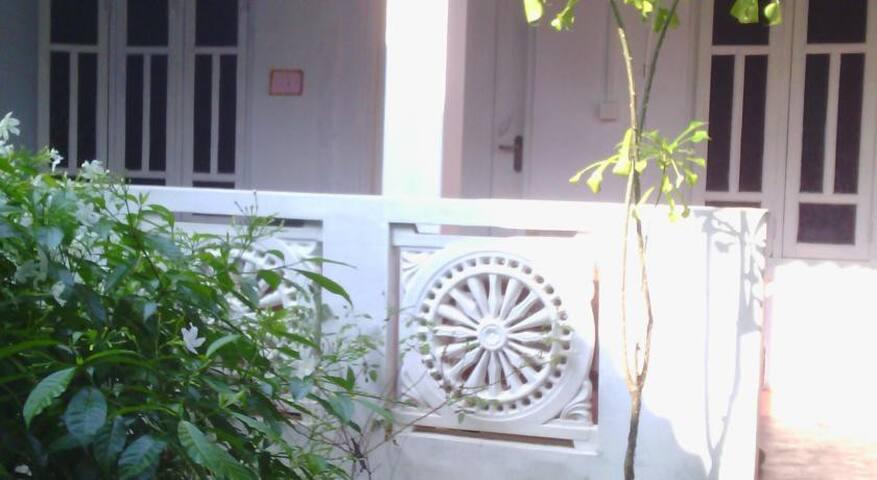 Alex Rooms - Trincomalee
