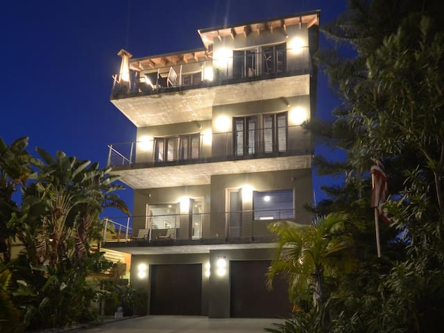 Luxury Living on Madeira Beach - Madeira Beach - Haus
