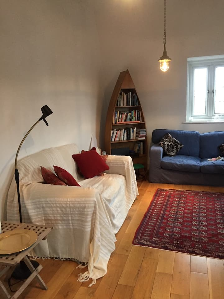 Two bed Loft Apartment in Abingdon on Thames.