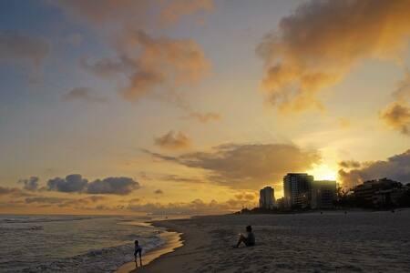 Barra da Tijuca - Suites de frente para a praia! - Rio de Janeiro - Apartmen perkhidmatan