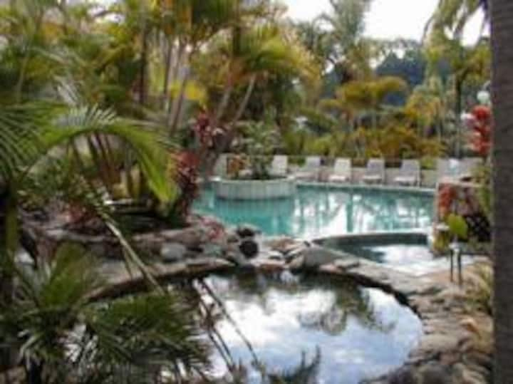 Club Noosa self-contained Apartment