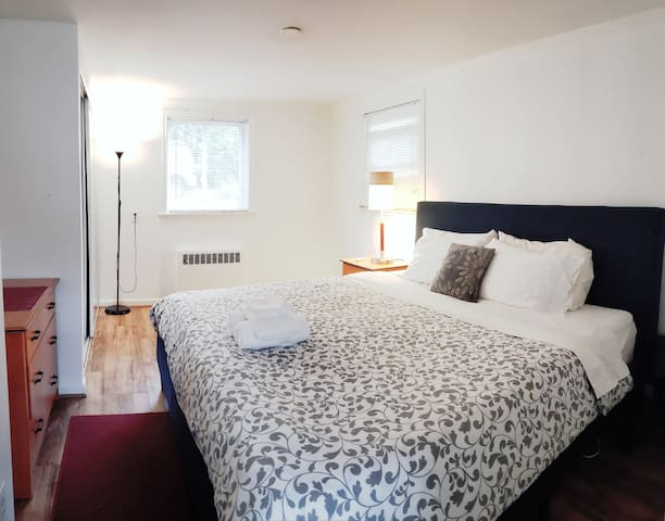 King bed&private room&free parking&WI-FI&Mins2DC