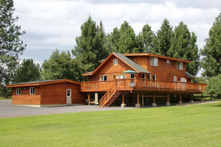 Spacious home, minutes from McCall & Payette Lake