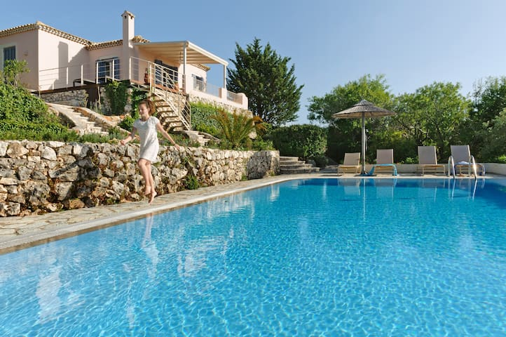 Villa Melia with Private Pool - Tsoukalades - Vila
