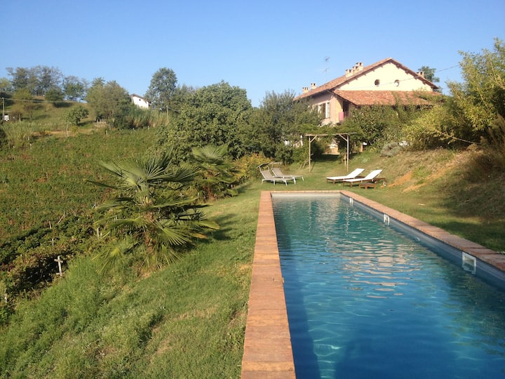 Stylish farmhouse in wine hills
