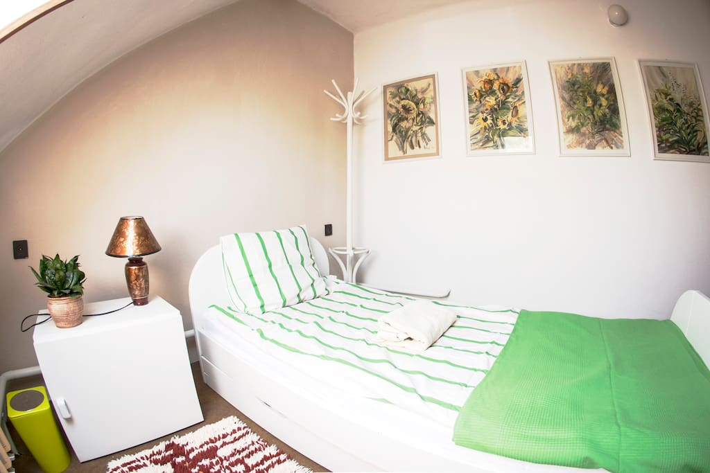 Room No1 - with single bed