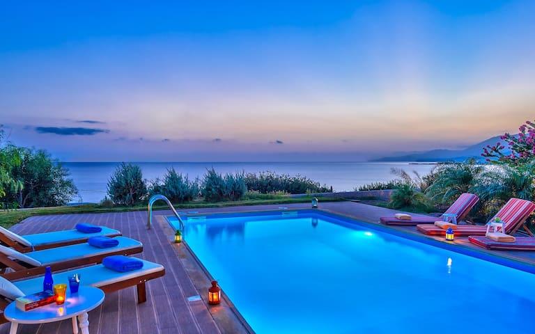 Luxus Villa, private pool, 8 persons - Ierapetra - วิลล่า