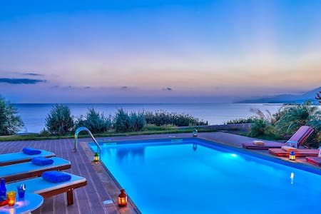 Luxus Villa, private pool, 8 persons - Ierapetra