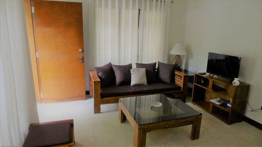 Large 1BR Apt in Dumaguete w/ kitchen- Free Pickup