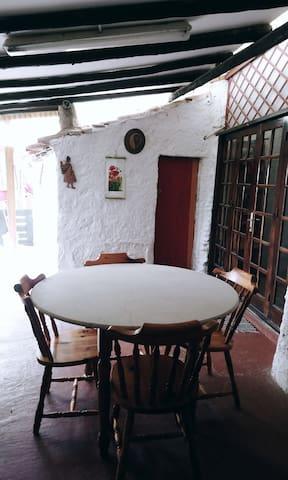 Casa Cueva rústica
