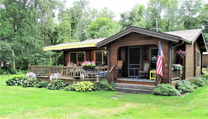 Lake View Cedar Cottage w/Dock & Boat Slip