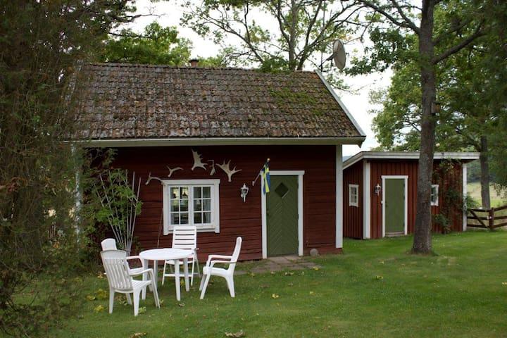 Lilla Huset, 55 km från Vimmerby - Kinda Ö - Cabane