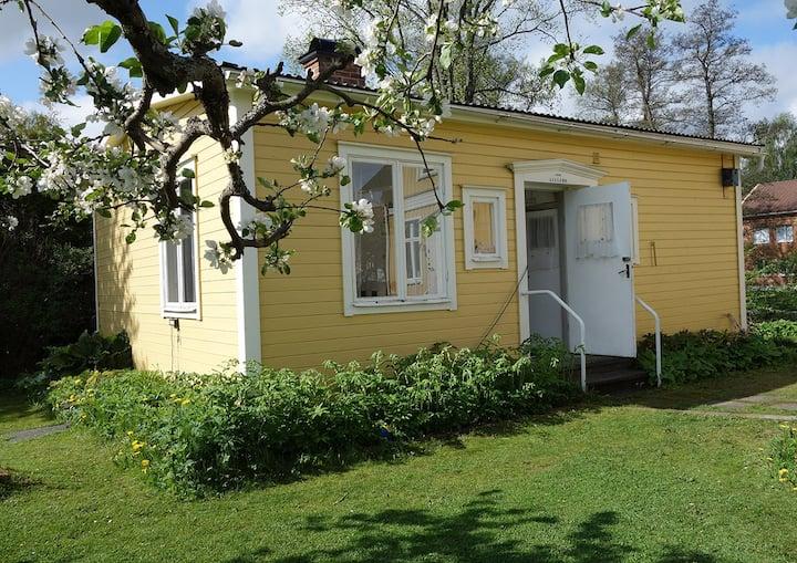 Centralt hus i Kulturstaden Nora i Bergslagen. (L)