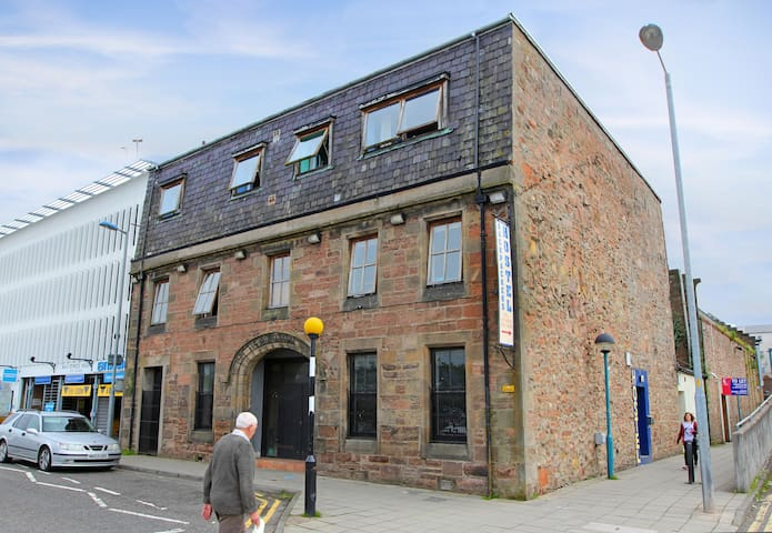Airbnb Inverness Holiday Rentals Places To Stay