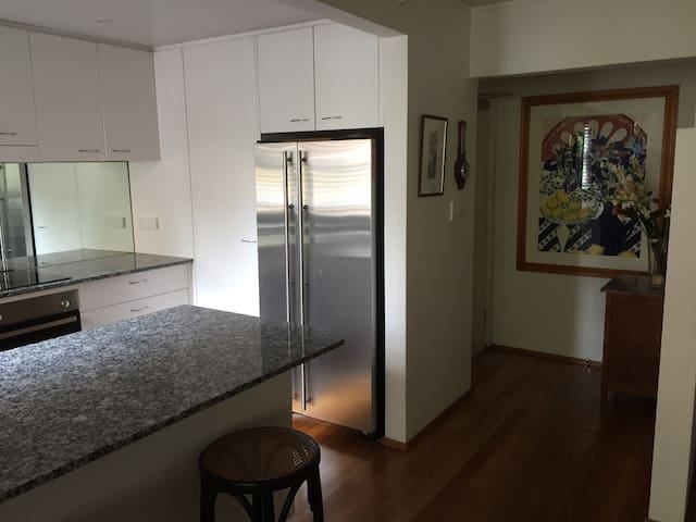 Cosy 2 bedroom 2 bathroom on North Shore of Sydney - Turramurra