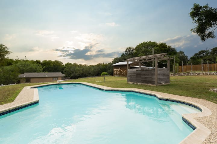 Beautiful Ranch-Style Home w/Private Pool!