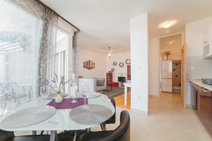Cosy and modern apartman MILLA