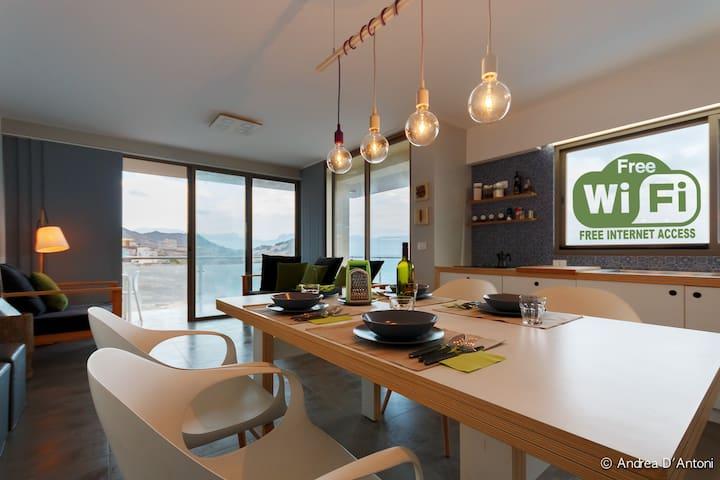 Maison vacances PANORAMIQUE sur la baie de Mindelo