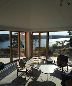 Spectacular architect-designed house by the sea - Saltsjöbaden