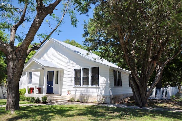 Mimi's Sunday House - A Comfort Original