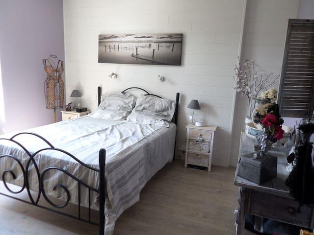 chambre lit 140 + chambre lit 90 + petit déj
