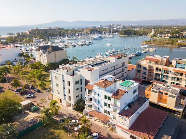 Convinient location condo by the marina Nuevo Vallarta