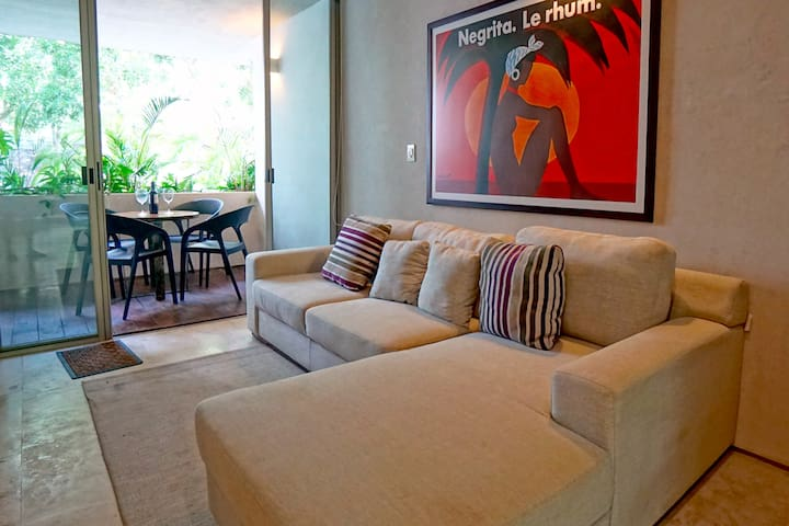 Comfy Open Living Space, Perfect for Entertaining: WIFI, Luxury at its Best In Paradise