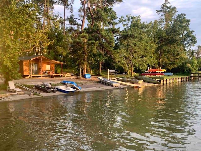Mom's Favorite Waterfront Cabin, Lake LivingstonTx
