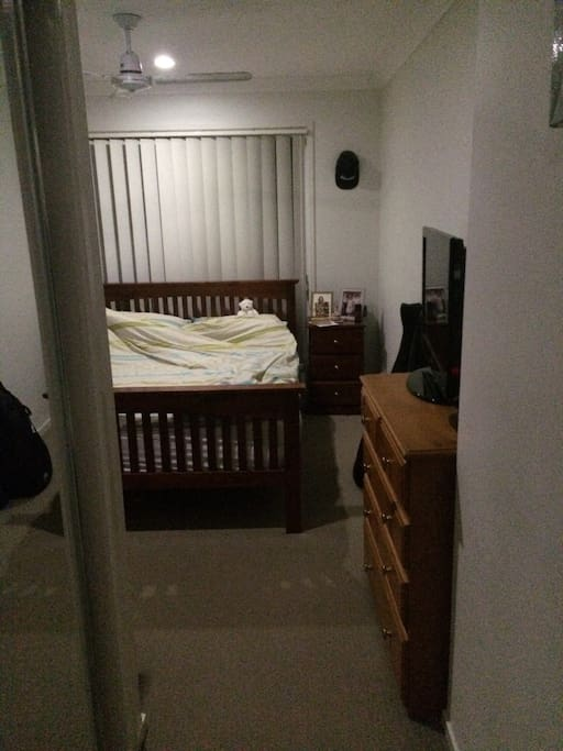 Master bedroom w ensuite, double bed, 2 X tall boys and tv