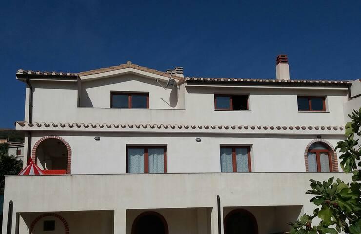 Appartamento indipendente a Loceri