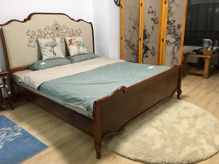 森林美居,六十平方大套美居,五星级床品,喝茶品咖啡舒适宜居