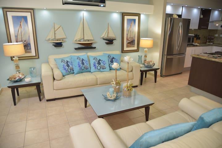 Isabela Luxury Ocean Front Oasis - อิซาเบล่า