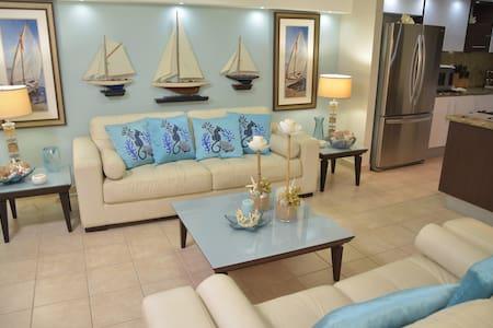 Isabela Luxury Ocean Front Oasis - Isabela - コンドミニアム