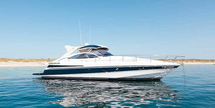 Exclusive boat for a day charter
