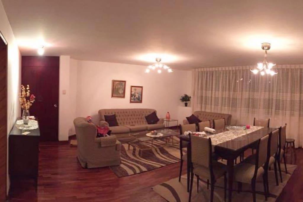 Sala Comedor/ Dinning Room and Living Room
