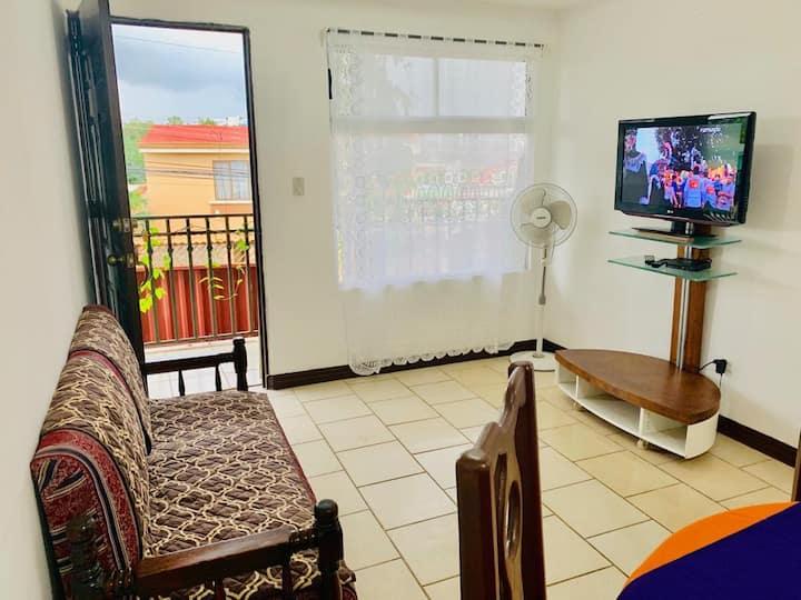 Apartamento Independiente y Amueblado #1
