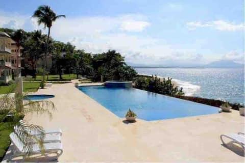 Penthouse Hispaniola Beach Condominio  con vistas al mar 2 dormitorios